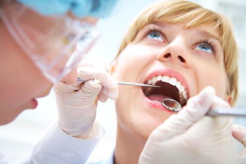 Преимущества лечения зубов у нас