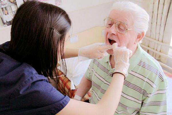 Вызов стоматолога на дом